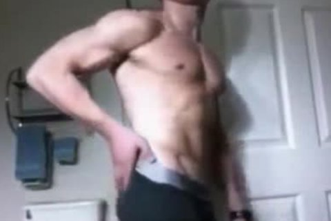 cute Muscle man Flexing And wanking P1