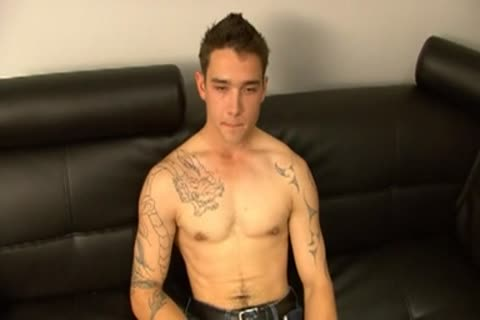 Inked knob Serviced By homosexual twink