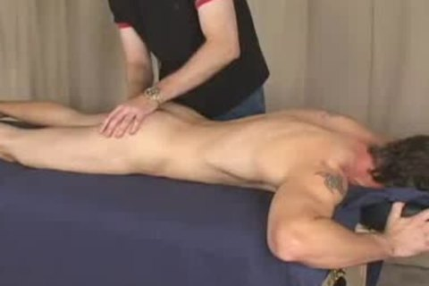 Straight guy Serviced