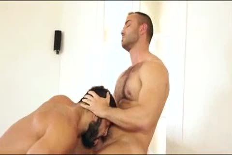 Rogan Richards plows Hugo Vergari