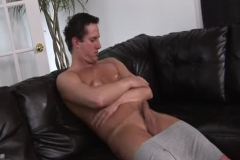 Muscle daybed Solo - Scene 1 - Mavenhouse