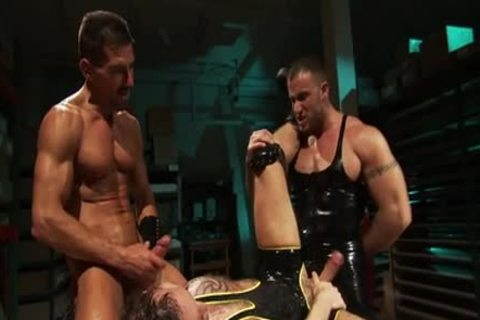bound Muscly man Fisted