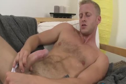 fine Denis Reed Working Out A Messy Load Out Of his balls