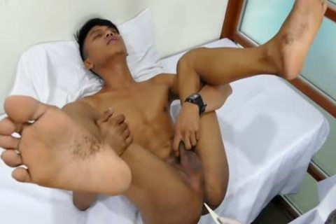 Daddy Mike bonks asian twink Mikal