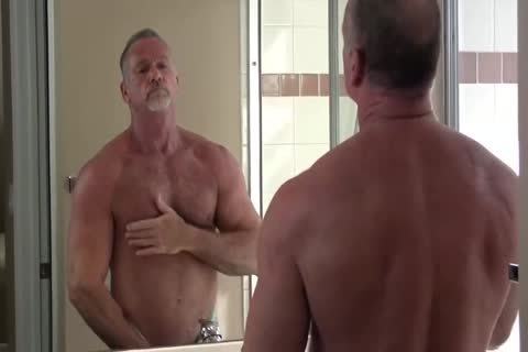 fine Muscle Daddy Mikey Shower jack off