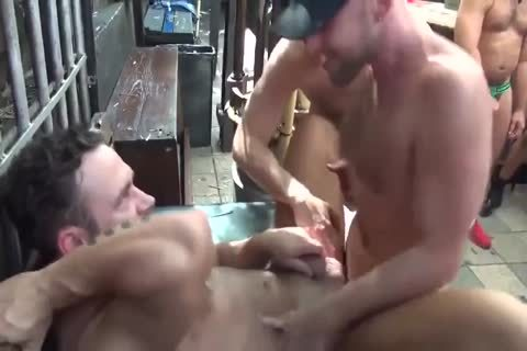 MusclePup Logan Moore Acquires bunch pounded Barebacked poke