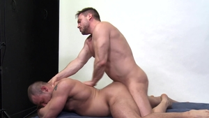 MenOver30.com - Athletic Hans Berlin show big cock