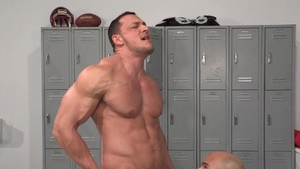 HotHouse - Joey D with Sean Zevran quick swallow