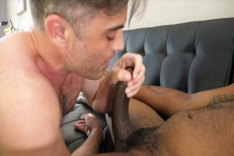 Switch bareback Hookup With August Alexander And Lance Hart